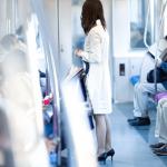 通勤電車で座りたい!早起きすれば満員電車ストレスを激減できる路線